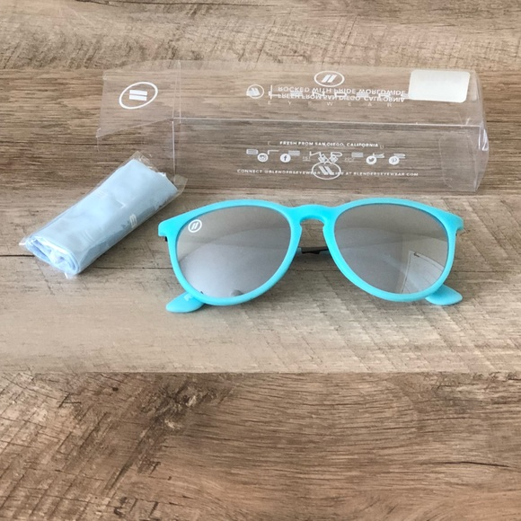 19081d73d95 Blenders Accessories - Blenders Avalon Breeze Polarized Mirror Sunglasses
